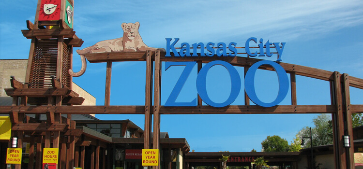 Kansas City Zoo's front gate